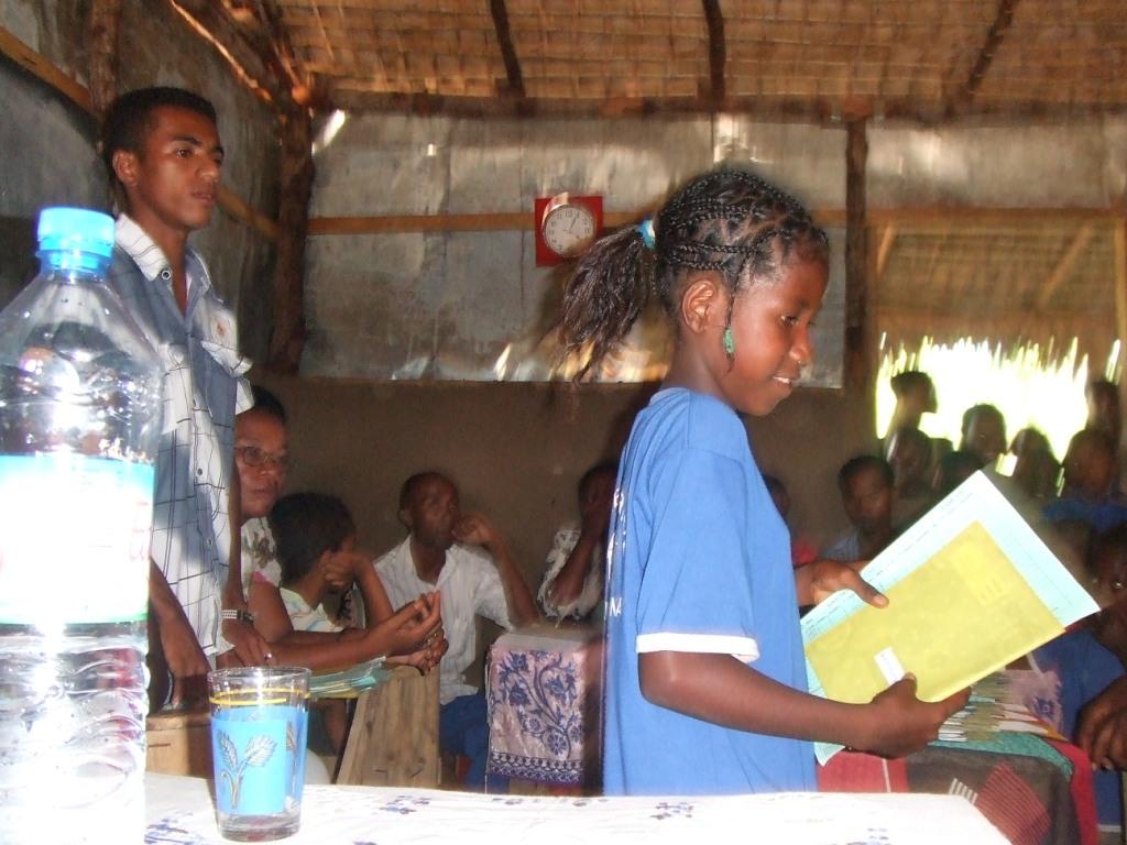 La remise des bulletins, moment important pour les enfants et les familles