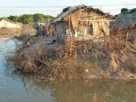 Sont venues habiter là des familles très pauvres n'ayant pas les moyens de louer une maison en ville