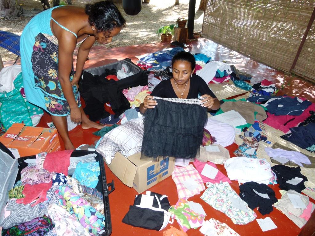 Collecte et distribution de vêtements pour les enfants