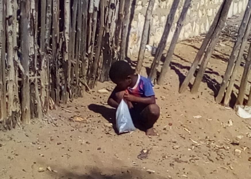 C'est un travail très répandu pour les enfants - ramasser des petits morceaux de charbon